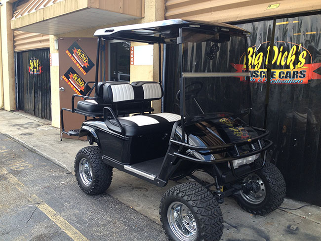 Golf Cart - Black Golf Cart